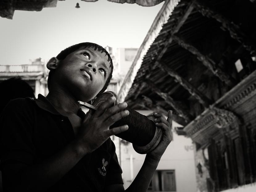 Bambino aquilone Nepal