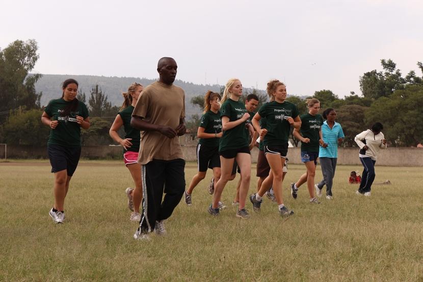 I volontari del progetto di sport in Kenya