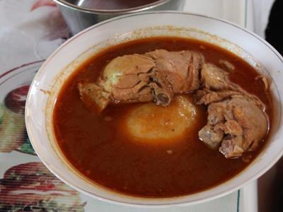 西アフリカの代表的な料理フフ
