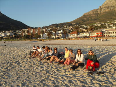 南アフリカで法律&人権プロジェクト 美しいビーチでの一枚