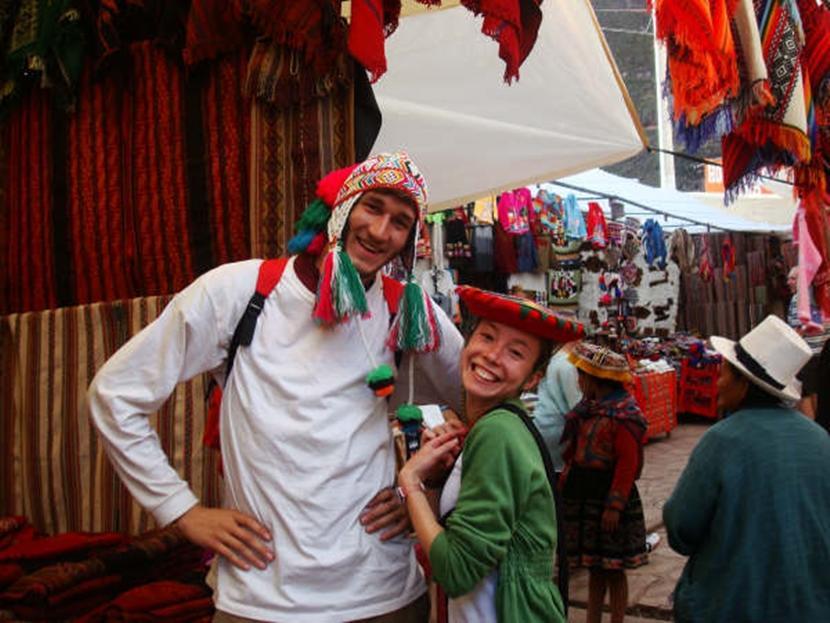 ペルーで海外ボランティア 活動外の自由時間を楽しむ日本人ボランティア
