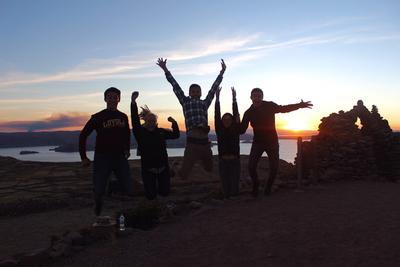 ペルーで海外ボランティア 活動外の自由時間を楽しむボランティアたち