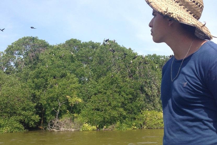 Boottocht over de lagune tijdens observaties van vogels bij natuurbehoud in Mexico