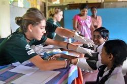 7 redenen om deel te nemen aan een jongerenreis en vrijwilligerswerk in het buitenland te doen