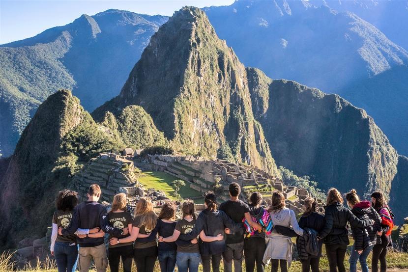 Tijdens een jongerenreis in Cusco zal je met de groep tijdens het weekend een bezoek aan Machu Picchu brengen.