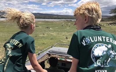 Kinderen Gilles en Laurence op anti stroperij tocht in Kenia