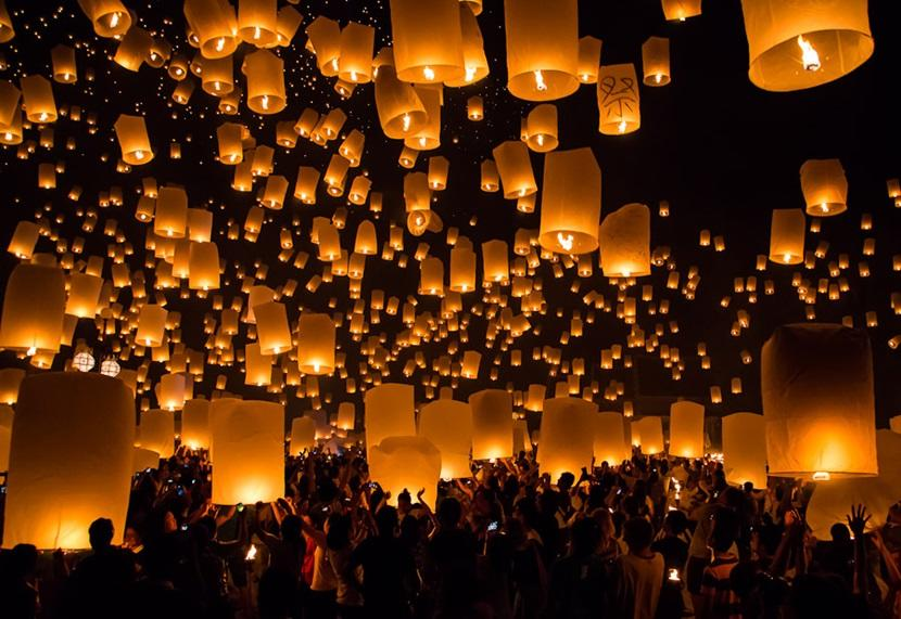 Celebrating Loi Krathong