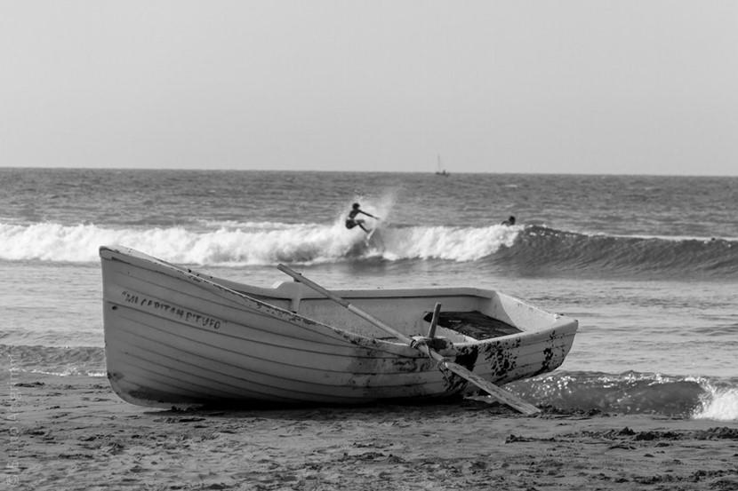 A boat on the seashore