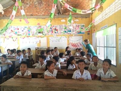 Projects Abroad Cambodia conservation volunteers have started English classes at a local primary school, where they also help to develop educational games for the children.