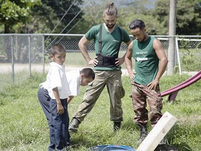 Projects Abroad volunteers working at a local school on the Costa Rica Conservation project