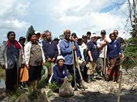 Projects Abroad and Thung Prasan volunteers
