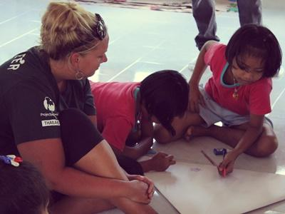 Projects Abroad Volunteers are working on an marine education and awareness project in Thailand