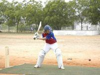 Alice Lindsay batting