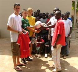 Volunteer on sports placement