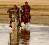 Abenteuer Mongolei: Bianca Hoyer hat ein Buch über ihre Auszeit in der mongolischen Steppe geschrieben!