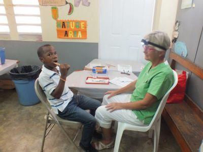 Viele Kinder auf Jamaika haben noch nie einen Zahnarzt besucht