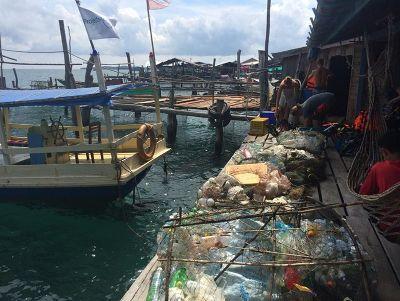 Von Freiwilligen gesammelter Müll nach einer Strandsäuberung im Naturschutz – Programm in Kambodscha mit Projects Abroad