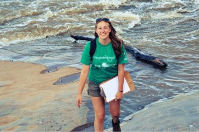 Cora ist für die nächsten 3 Monate Praktikantin im Berliner Büro von Projects Abroad