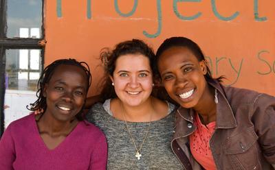 Verbringe den Jahreswechsel im sonnigen Tansania und setzte dich in einem Freiwilligenprojekt ein.