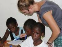 Nu underviser vi flere piger i Senegal