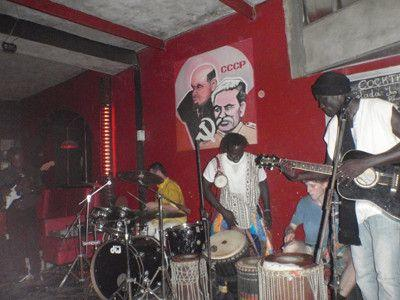 Sakis Tanor og hans band hvor jeg spiller med på dundun trommer