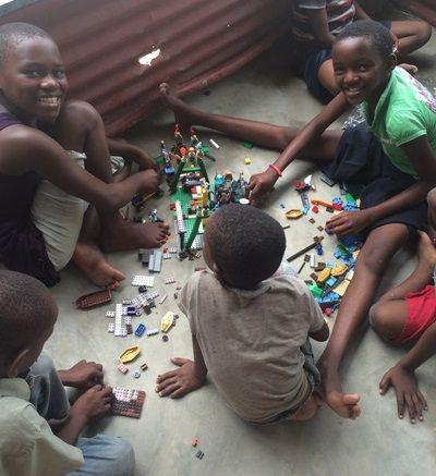 Sjov leg i Tanzania
