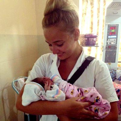 Flora arbejdede med obstetrik i Sri Lanka
