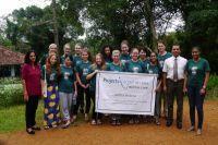 Frivillige hjælper rekordmange på medical camps