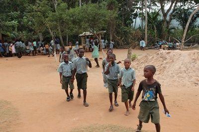 Glade børn fra Ann-Sohpies projekt i Ghana