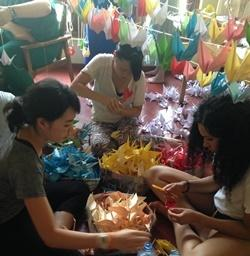 Projects Abroad Medical volunteers make 1000 origami cranes in Kethumathi Hospital for Women in Panadura, Sri Lanka