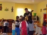Romania Care Volunteers Organise Concert Fun