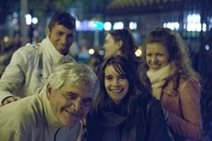 Voluntarios de Projects Abroad durante un programa de alcance comunitario en Cordoba junto a personas sin hogar como parte del proyecto de Derechos Humanos en Argentina