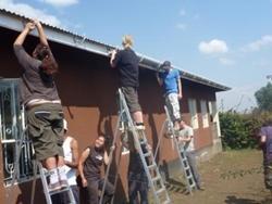Une ancienne volontaire finance des projets sanitaires en Jamaïque, Tanzanie et Bolivie