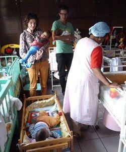 Mission humanitaire avec des bébés