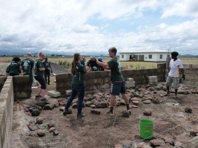 Construction d'une nouvelle école en Tanzanie
