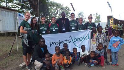 Volontaires dans un camp médical à Nakuru