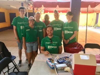 volontaires avant dépistage sida au Belize
