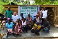 Una fabbrica di sapone per sostenere la comunità locale: microcredito in Ghana, la storia di un successo.