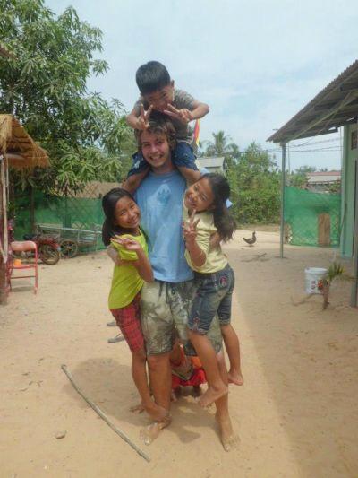 bambini-volontario-cambogia