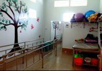 Cambogia: grazie all'aiuto dei volontari è pronta la nuova sala fisioterapica, ora abbiamo bisogno di personale medico
