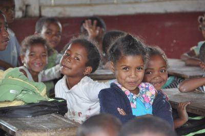 I bambini della scuola che collabora con Projects Abroad in Madagascar