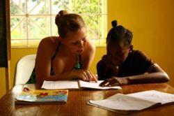 大陸を越えて~子供の識字率向上を目指して文通プロジェクト開始