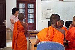 スリランカの日本語教育プロジェクト、順調な滑り出し