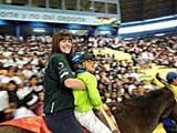 乗馬セラピーボランティアと子供たちがオリンピック開会式に参加!