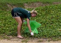 プロジェクトアブロードがスリランカのパナドゥーラで海岸の清掃を行いました