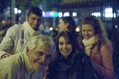 アルゼンチンのプロジェクトアブロードのボランティアが人権プロジェクトの一環として、毎週ホームレスのための法律アウトリーチ活動に参加しているところ