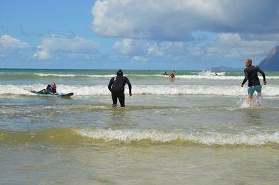 南アフリカサーフィンボランティア Ashtan さんがビーチまでずっと波に乗った様子
