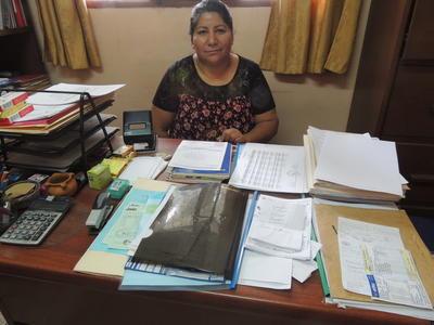 De directeur van het opvangcentrum voor vrouwen in Bolivia, waar vrijwilligers van het Mensenrechten project meehelpen.