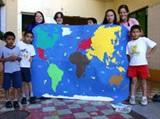 Care & Community volunteers show the world to Mexican children