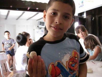 Play dough snail